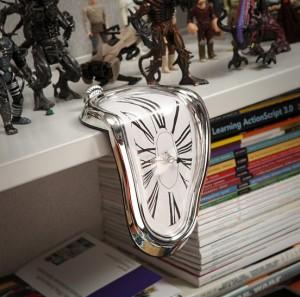 time-warp-shelf-clock